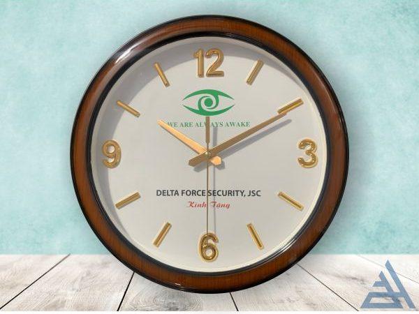 Đồng hồ treo tường vân gỗ số nổi