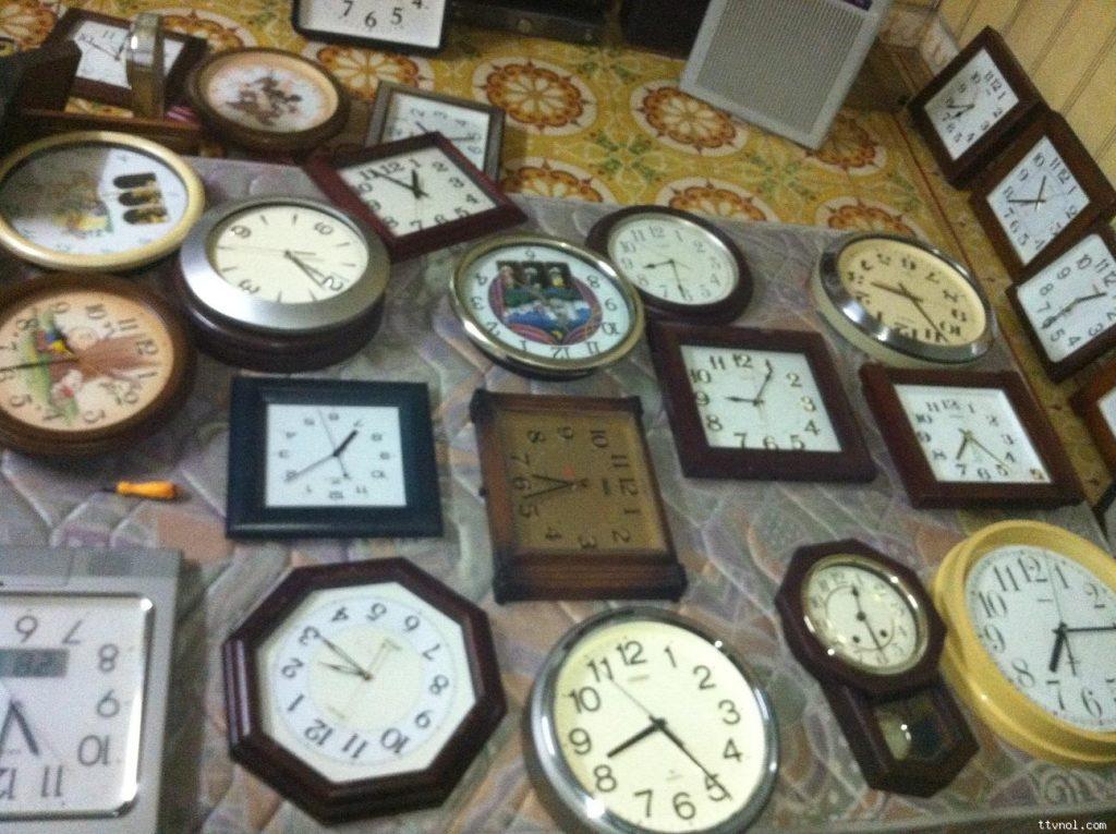đồng hồ treo tuong gía rẻ