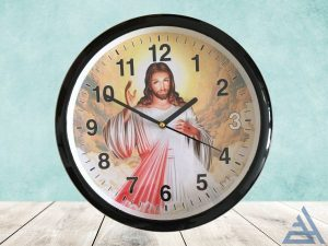 đồng hồ treo tường in hình chúa