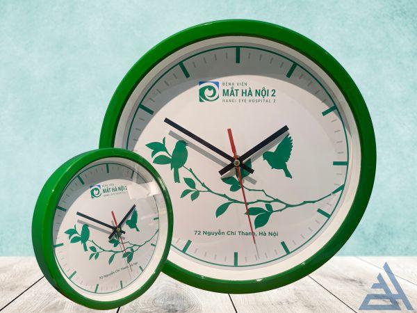 Đồng hồ treo tường 32cm đế dày