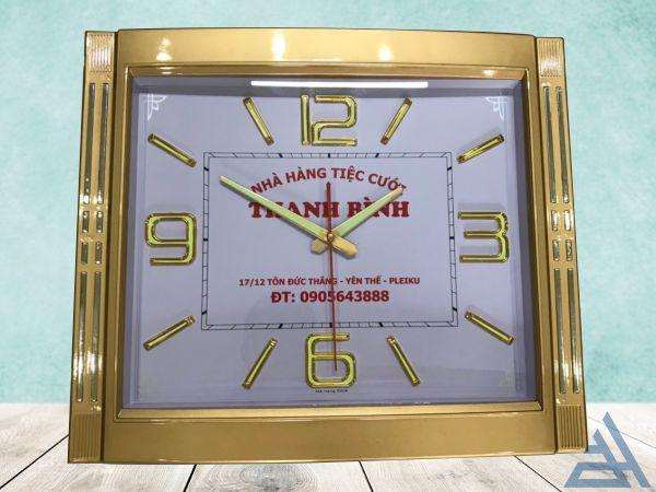 đồng hồ treo tường sang trọng