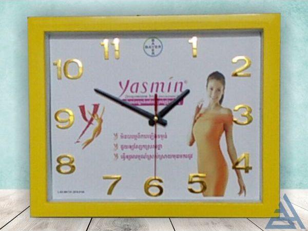 đồng hồ treo tường hình chữ nhật