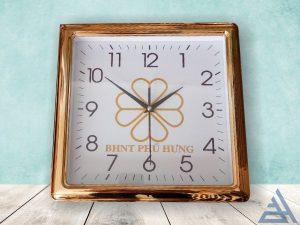 Đồng hồ treo tường vuông vành xi vàng